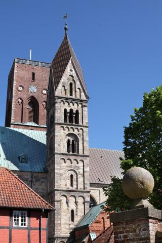 Getting Married in Ribe